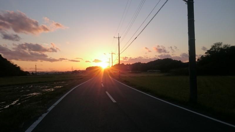 夕日がきれいな季節です