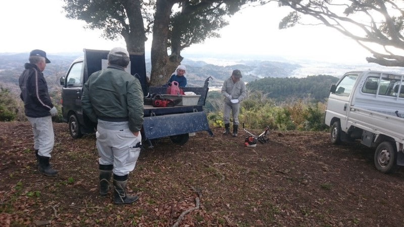 金比羅山掃除 金比羅保存会の面々